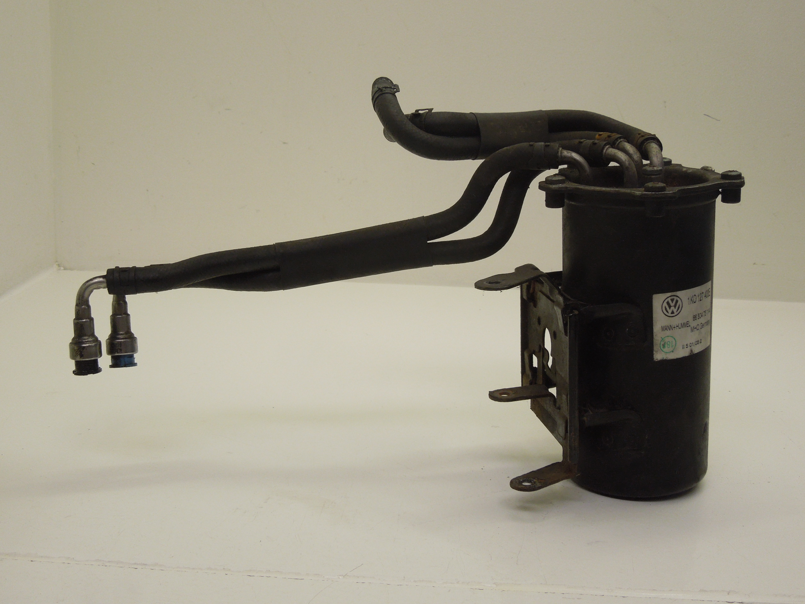 Audi-A3-8P-1-9-TDi-Fuel-Diesel-Filter-Housing-with-Pipes-1K0127400E
