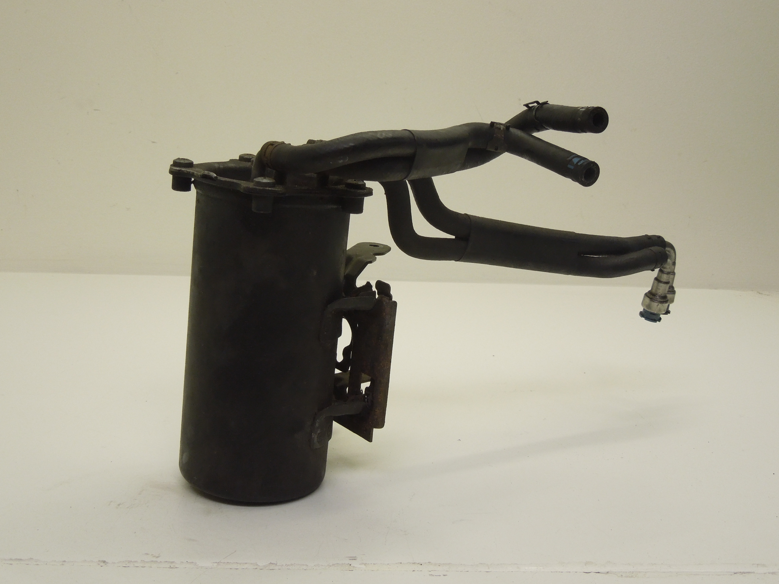 Audi-A3-8P-1-9-TDi-Fuel-Diesel-Filter-Housing-with-Pipes-1K0127400E thumbnail 2
