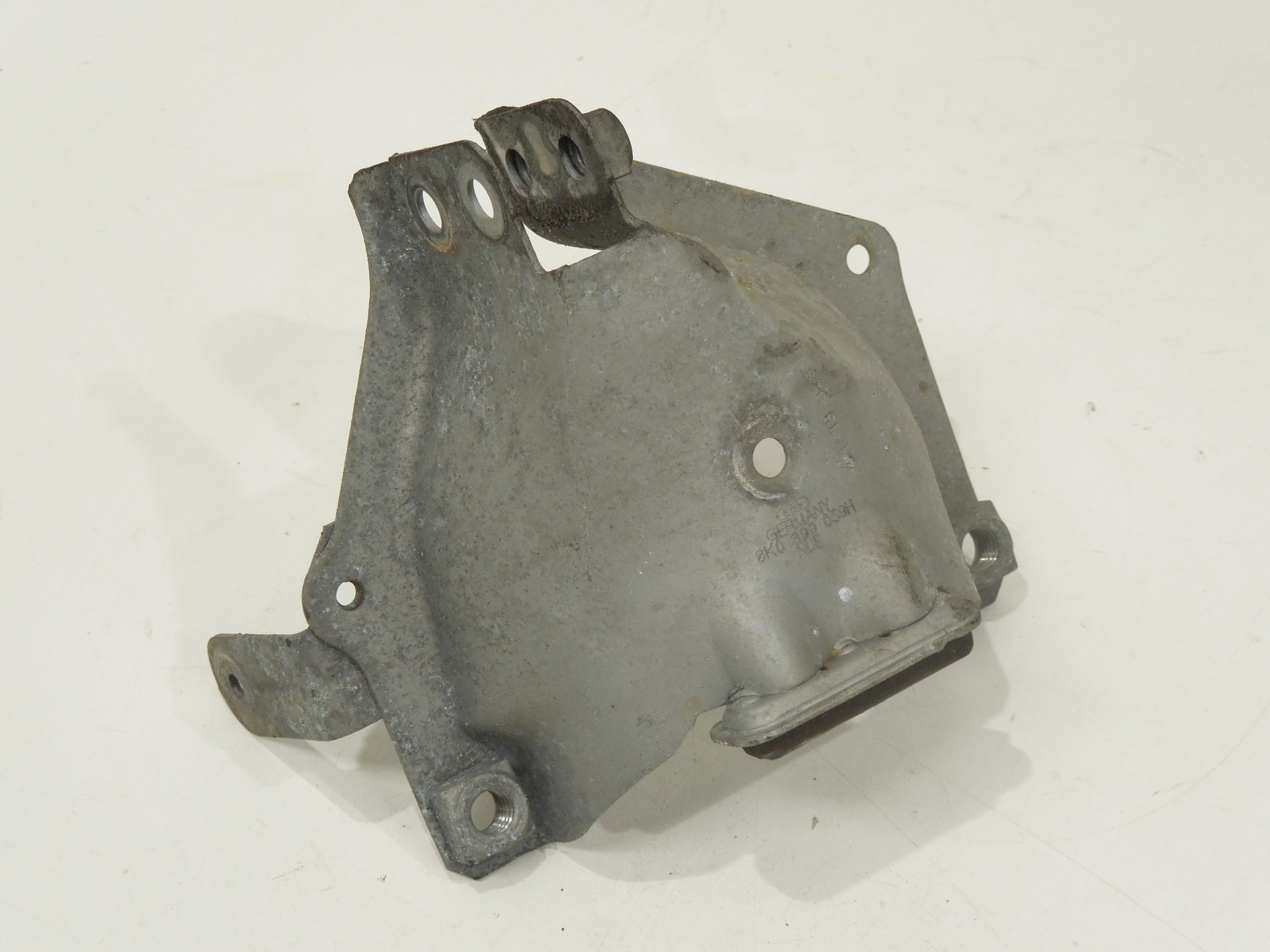 2009 2010 2011 2012 Audi A4 A5 left engine motor mount cover shield 8K0399059