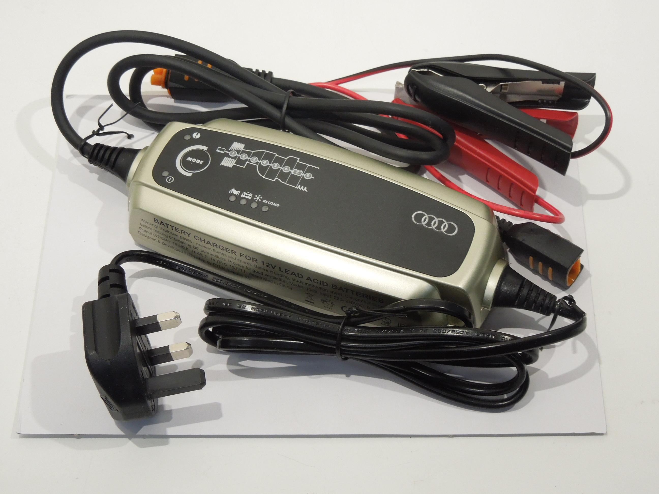 AUDI-CTEK-Caricabatterie-Condizionatore-NUOVO-ORIGINALE-420093050E