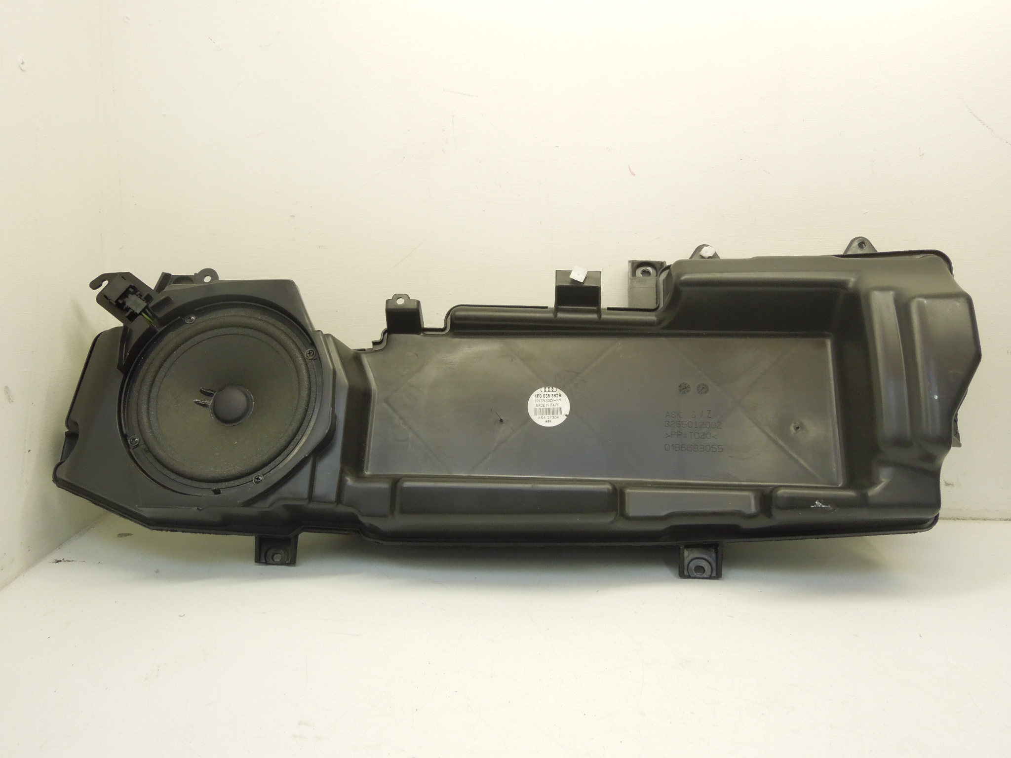 Audi A6 C6 OS Right Front Lower Door Speaker 4F0035382B